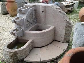 Arredo giardino vasi fontane barbecue - Fontane da giardino in pietra ...
